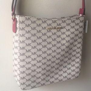 NEW Beautiful Tan Crossbody Michael Kors Bag!